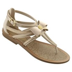 Tong IPANEMA - Gisele Bundchen Sandal White  http://www.viva-playa.fr/tong-ipanema---gisele-bundchen-sandal-white-p-881.html