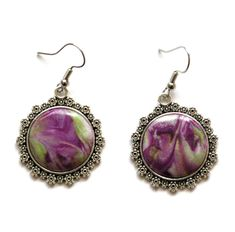 boucles d'oreilles baroques cabochons ronds vertes et violettes Baroque, Cabochons, Creations, Drop Earrings, Jewelry, Fashion, Green And Purple, Violets, Boucle D'oreille