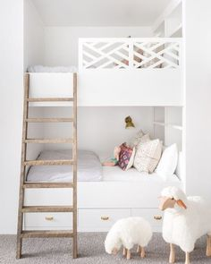shared girl bedroom design with built in bunkbeds, shared kid room design, airy and light kid room in cottage or shared bedroom in lake house, girl bedroom descor Shared Girls Bedroom, Home, Kid Beds, Bed, Kid Room Decor, Bedroom Design, Modern Bunk Beds, Shared Bedroom, Bedroom Furnishings