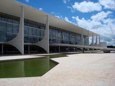 O mais importante arquiteto brasileiro do século 20 nasceu no Rio de Janeiro em 15 de dezembro de 1907