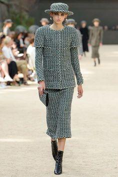 Chanel Fall 2017 Couture Fashion Show - Molly Bair (Elite)