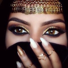 Moroccan Eyes. Silk Oil of Morocco Argan Oil Infused Eye Shadows Available Here http://www.silkoilofmorocco.com.au/product-category/argan-cosmetics/silk-eyes/