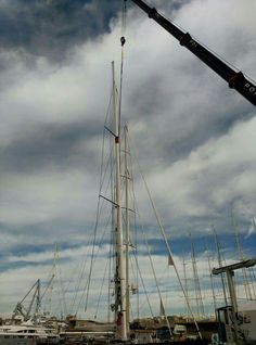 #LadyMariposaRacing ... #RSBOperationsRuss and team stepped the rig of the new #Ker46 on Wednesday following her arrival.  #ImpressiveSailingYacht #RiggingInPalma