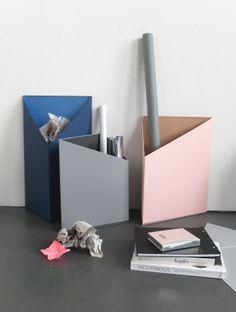 Prism – Set of three triangle Boxes by Olga Bielawska (Foto: Eike Krebs/Bildwert) - Diy Interior Design Cardboard Paper, Cardboard Crafts, Diy Paper, Paper Crafts, Diy Arts And Crafts, Diy Crafts, Diy Karton, Diy Rangement, Diy Box