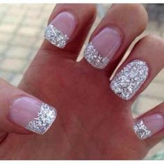 This is beautiful love it I wish my nails were that long