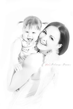 Two angels :) Mother and her little girl.