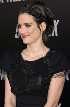 Winona Ryder Hot Topless Sexy Bikini Feet Pictures Young Age Short Hair Winona Ryder, Girl Crushes, My Idol, Hair Makeup, Hair Beauty, Actresses, My Love, Sexy, Stranger Things