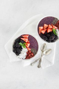Berry Protein Smoothie Bowl