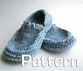 Easy Slipper Knitting Patterns Are Great For Beginners Knit Slippers Free Pattern, Crochet Slipper Pattern, Knitted Slippers, Knit Or Crochet, Crochet Shoes, Knitting Socks, Free Knitting, Knit Socks, Loom Knitting Patterns