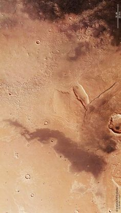 Part of the Cydonia Mensae region on Mars. The image was acquired by the Mars Express orbiter on 19 November 2014. Image credit: ESA / DLR / FU Berlin / IGO / CC BY-SA 3.0.