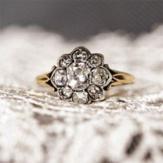 vintage wedding rings - This ring is absolutely stunning.... And would look fab on my finger ;)