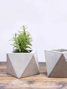 vaso em concreto feito à mão, para decorar todos os ambientes