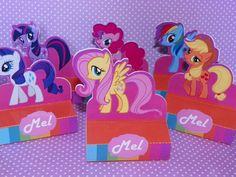 Porta Bis Duplo My Little Pony <br> <br>Personalizamos conforme a sua necessidade e tema <br>Pedido mínimo: 20 <br>Não acompanha o BIS <br> <br>O prazo de entrega é de 15 dias após aprovação da arte por e-mail + o prazo dos correios <br> <br>Pode ocorrer variação de tonalidade das cores dependendo da configuração e resolução de cada monitor