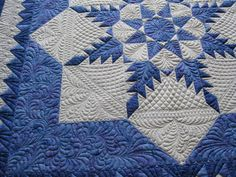 """""""Feathered Star by MOC Patchwork. Auilted by Vicki Jensen"""" beautiful patchwork and beautiful quilting. Star Quilt Patterns, Star Quilts, Quilt Blocks, Two Color Quilts, Blue Quilts, White Quilts, Machine Quilting Designs, Quilting Projects, Quilting Ideas"""