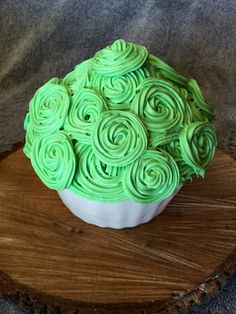 Smash cake. Fun rosettes. Green!  Buttercream icing