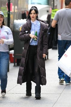 Krysten Ritter on the set of the new movie 'Assistance' in New York City - April 1, 2013 - Photo: Runway Manhattan
