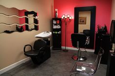 decor for hair salon | Design your own hair salon at Montreal Salon Studios.