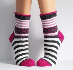 - The world's most private search engine Knitting Socks, Hand Knitting, Knitting Patterns, Knitted Heart, Knitted Bags, Lots Of Socks, Cozy Socks, Baby Booties, Wool Yarn