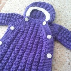 Örgü Tulum Battaniye Modelleri 9 Sleeping Bag, Crochet For Kids, Ravelry, Knitted Hats, Diy And Crafts, Dolls, Knitting, Baby Sleep, Blankets