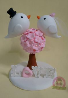(1) Aula de Biscuit Wedding Cake Inspiration, Pasta Flexible, Weird And Wonderful, Birthday Cake Toppers, Party Cakes, Clay Crafts, Marie, Biscuits, Cake Decorating