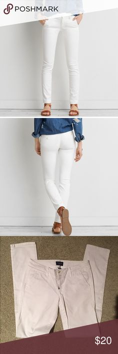 American Eagle White Skinny Twill Pants Solid white (no stains and pants are not see through), 97% cotton and 3% spandex, size 4 with extra long inseam (34 in), like new condition, worn once. American Eagle Outfitters Pants Skinny