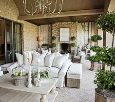 LOVE this outdoor/patio space!