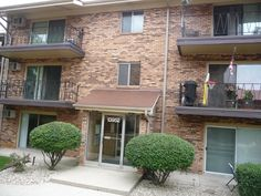 Waterbury Dr in Crestwood,  1 Bed 1 Bath for only 44,900  Lets Buy!!