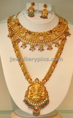 Checkout Khazana jewellers gold haram bridal set designs. these necklaces are so beautiful and impressive. Indian jewellery design...
