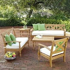 Unique Garden Dining Area For Your Family