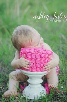 Cake Smash Photography. 1 Year old Photography. Ashley Hales Photography.