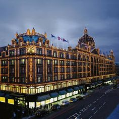 Harrods London....Gorgeous !, iconic shopping destination.