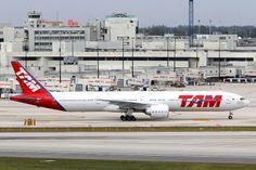 TAM Brasil PT-MUJ Boeing 777-32WER 40588 MIA Miami Airport 2014