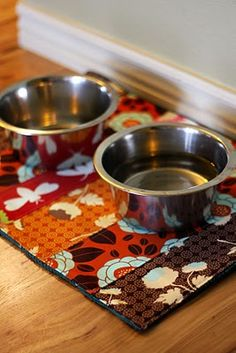 {Tutorial} Thursday:: Pup Mat. Use for kitty cats too. Old towel and cute fabric. Doggy placemat for water and food dish.
