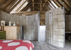 Medieval Barn in Essex Transformed into a 21st-Century Home wi...