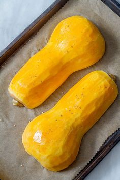The holidays are fast approaching, and if you're looking for a striking side-dish that will impress your guests, you've just found it! This roasted butternut squash cut Hasselback-style… Oven Roasted Squash, Squash In Oven, Oven Roasted Butternut Squash, Butternut Squash Casserole, Squash Soup, Acorn Squash, Squash And Carrot Recipe, Carrot Recipes, Fall Recipes