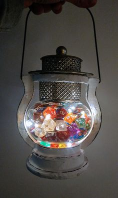 Dice Lantern with an interwoven wire of LEDs Geek Home Decor, Cute Home Decor, Cool Dnd Dice, Dragon Wedding, Fairytale House, Nerd Cave, D&d Dungeons And Dragons, Table Games, Room Themes