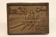 Class of 1942 bronze time capsule cover
