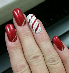 Christmas stripe nails