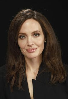 Angelina Jolie photo gallery - Angelina Jolie photo gallery You are in the right place for diy Here we present d - Angelina Jolie Fotos, Angelina Jolie Makeup, Angelina Jolie Pictures, Angelina Jolie Style, Beautiful Celebrities, Beautiful Actresses, Kate Middleton, Provocateur, Le Jolie