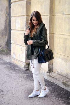 Parka + White pants + Sneakers
