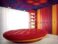Wolfgang Feierbach's Psychedelic Plastic House | 1960s Casa Retro, Retro Home, 1960s Interior, Interior Design, Cheap Bedroom Sets, Bedroom Ideas, Bedroom Colors, Bedroom Girls, Bedrooms
