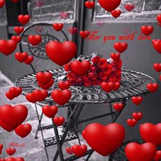 Love in the air! Love You Gif, Love You Images, Love Pictures, Beautiful Rose Flowers, Beautiful Gif, Beautiful Hearts, Good Morning Gif, Morning Images, Heart Wallpaper