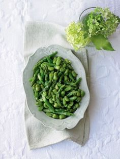 Asparagus-and-broad-beans-