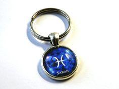 Schlüsselanhänger - Namens-Anhänger Sternzeichen Fische - ein Designerstück von csoMunich bei DaWanda