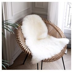 "284 mentions J'aime, 5 commentaires - Céleste Paris (@celeste_paris) sur Instagram : ""Hello douceur ☁️ #cosy #cocoon #douceur #homedecor #colors #soft #natural #neutrals #picoftheday…"""