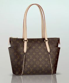 614bd42bdc3 Monogram Totally PM Authentic Louis Vuitton
