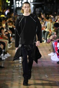on sale d57a3 a5177 Male Fashion Trends  White Mountaineering Spring-Summer 2019 - Paris  Fashion Week Bergsklättring,