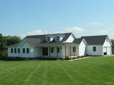 8680 Eleven Point Dr, Hannibal, MO 63401