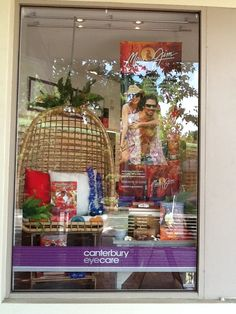Summer is here at Canterbury Eyecare Melbourne. Maui Jim window display by Through the looking glass retail window stylists.