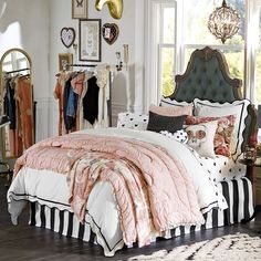 Sweetly scalloped trim gives our bedding a pretty finishing touch. This duvet cover and sham are designed exclusively for PBteen by celebrity stylists and fashion designers Emily Current and Meritt Elliott. The overall bedroom effect is that of Vintage American.
